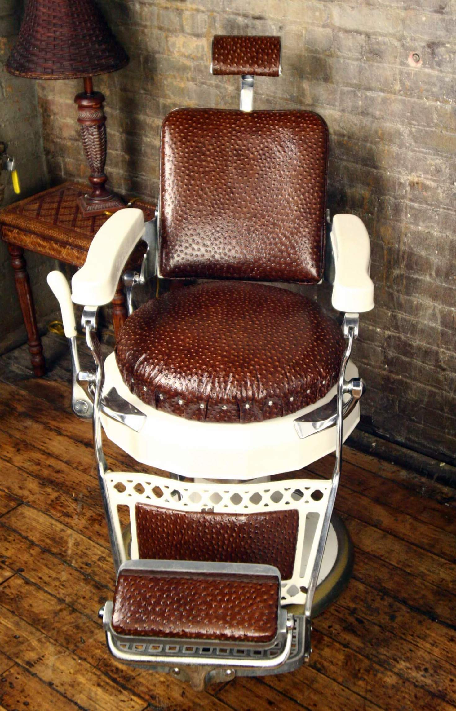 Seville Barber Chair – - Belvedere Barber Chairs Reviewed - The Pros And Cons - Furnish & Style